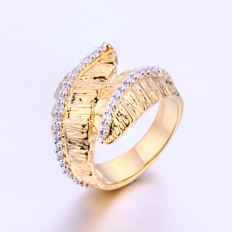 CR1607348 Latest Simple Design 18k Gold Diamond Engagement Wedding Rings